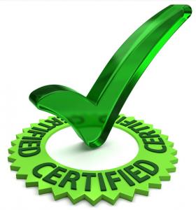 Grønt checkmærke med en grøn ring omkring. Teksten siger certified